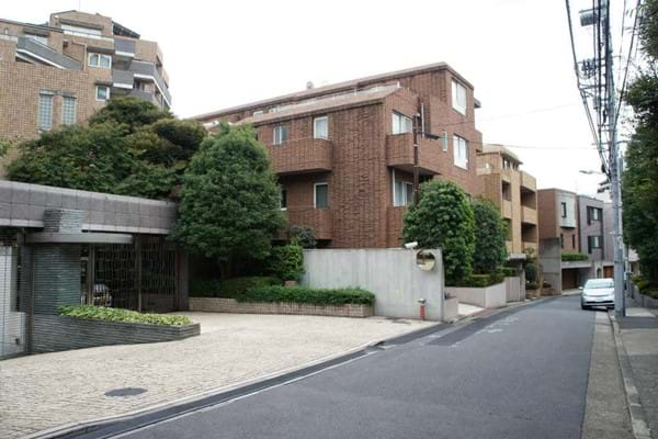 広尾の高級住宅街 High Class Residential Area in Hiroo.jpg